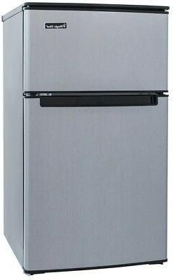 Magic Chef 3.1 cu. ft Mini Compact Manual Refrigerator Stain