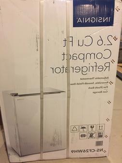 White Insignia 2.6 Cu. Ft. Compact Mini Fridge w/ 1 Door Dor